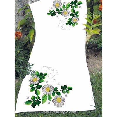 Kit chemin de table fraîcheur fleurie à broder au point de croix compté de Luc Création