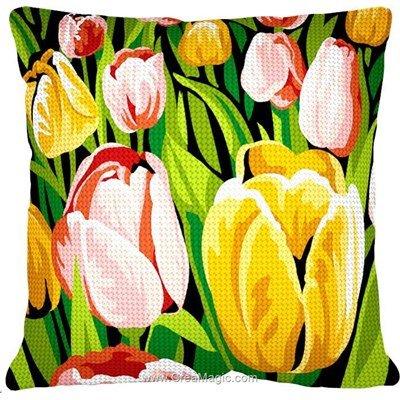 Kit coussin Margot champ de tulipes au demi point