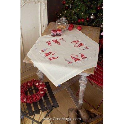 Kit nappe gnômes de noel rouge en broderie traditionnelle - Vervaco PN-0155211