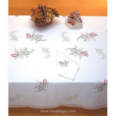 Nappe imprimée boutons de rose en broderie traditionnelle - Bordée dentelle de Luc Création