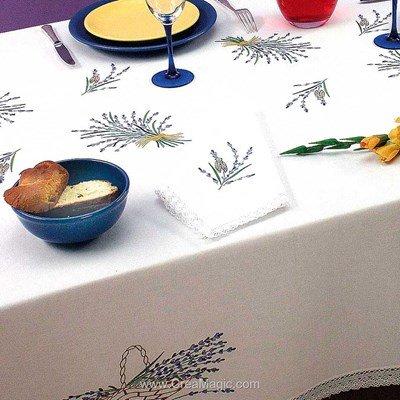 Serviette de table en broderie traditionnelle brins de lavande - Bordée dentelle - Luc Création