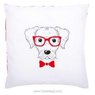 Kit coussin chien avec des lunettes à broder en broderie traditionnelle Vervaco