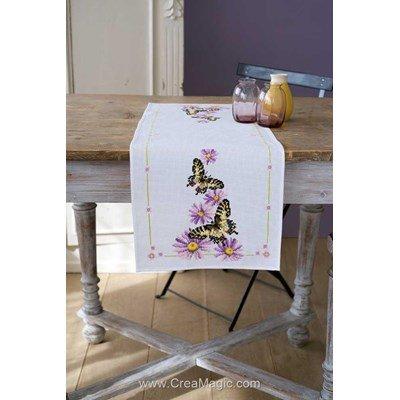 Kit chemin de table à broder au point de croix compté papillons et fleurs - Vervaco