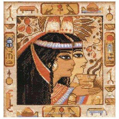 Portrait en hieroglyphes broderie au point de croix compté - RIOLIS