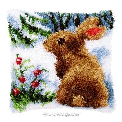 Coussin point noué lapin dans la neige - Vervaco