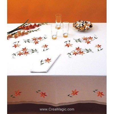 Nappe petites fleurs en broderie traditionnelle - Bordée dentelle - Luc Création