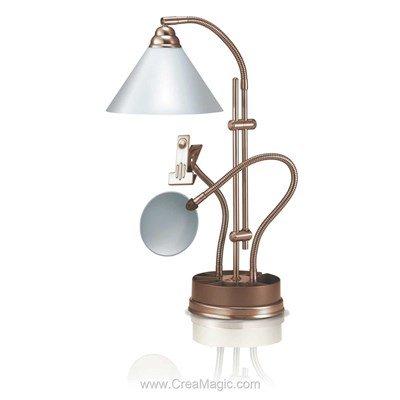 Lampe prestige sur socle de table antique - E21038 chez Daylight
