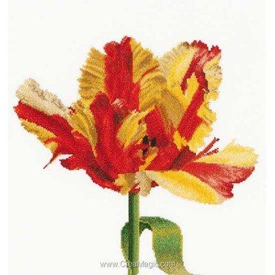 La broderie red/yellow parrot tulip sur lin de Thea Gouverneur