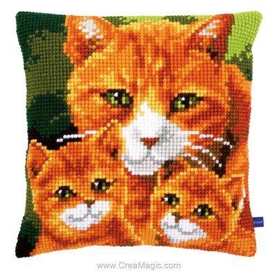 Coussin point de croix chat et ses chatons de Vervaco