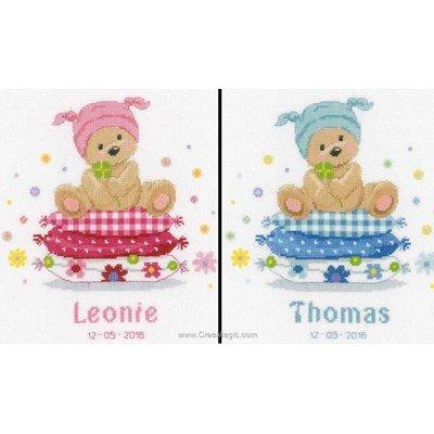 Broderies pour bébé ourson sur les oreillers de Vervaco