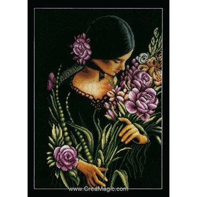Femme au bouquet de fleurs broderie modele point de croix - Lanarte