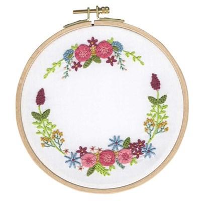 Kit de broderie traditionnelle couronne de petites fleurs - DMC
