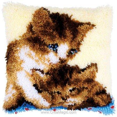 Coussin point noué deux doux chatons - Vervaco