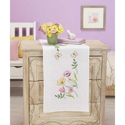Kit chemin de table imprimé fleurs coupées blanche en broderie traditionnelle de Duftin 05160-AZ0085