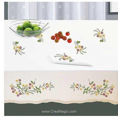 Serviette de table imprimée en broderie traditionnelle brins colorés - Bordée dentelle - Luc Création