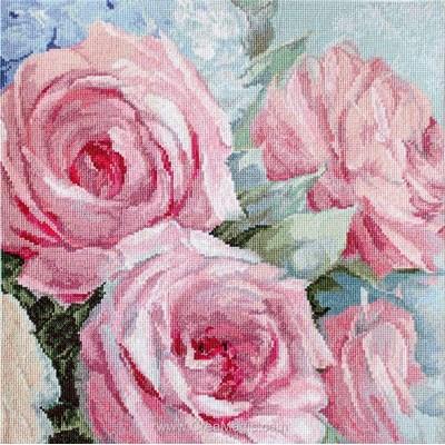 Kit point de croix de LETISTITCH à broder pale pink roses