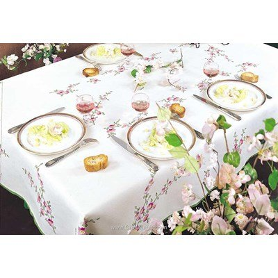 Serviette de table imprimée en broderie traditionnelle fleurs des pommiers de Margot Broderie