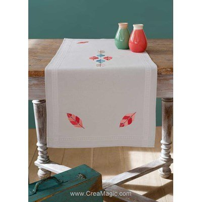 Chemin de table Vervaco en broderie traditionnelle indienne plumes PN-0161681