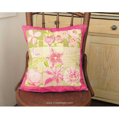 Kit coussin flora rose vert à broder au point de croix - Anette Eriksson