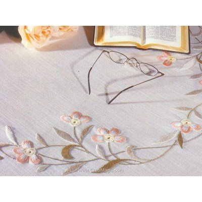 Kit nappe en broderie traditionnelle mary lilla de Duftin