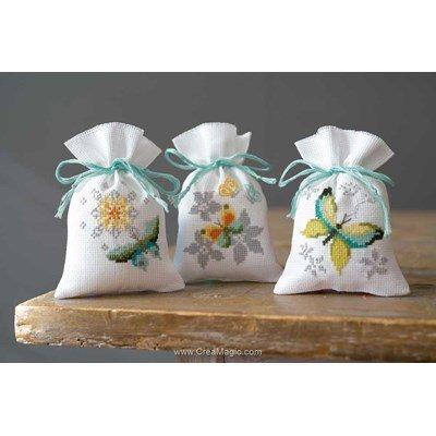 Sachet de senteur à broder fleurs et papillons messa - lot 3 - Vervaco