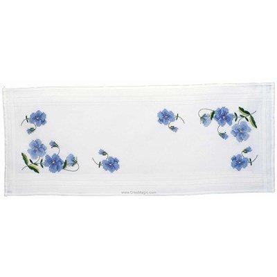 Chemin de table imprimé au point de croix en kit pensées bleues à broder en broderie traditionnelle Royal Paris