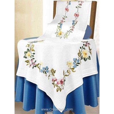 Kit chemin de table Duftin en broderie traditionnelle merra fleurs