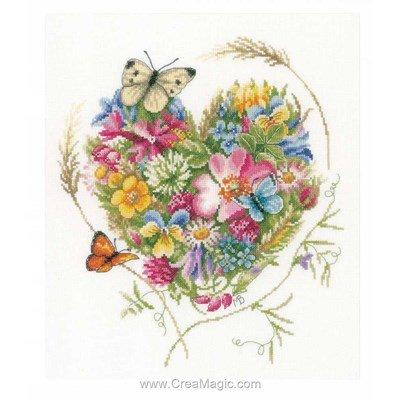 Point de croix coeur de fleurs aux papillons de Lanarte