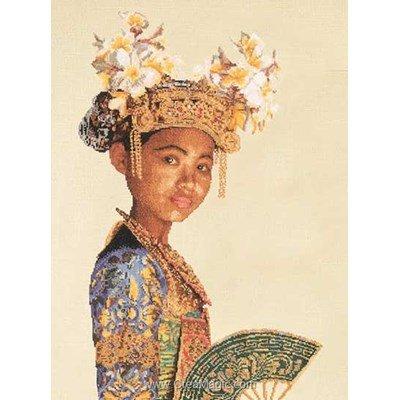 Broderie de Thea Gouverneur au point de croix balinese dancer sur aida