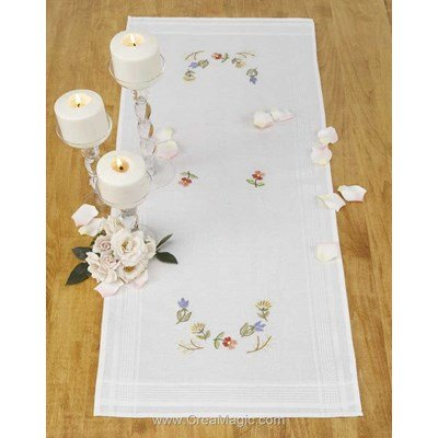 Kit chemin de table Duftin en broderie traditionnelle laddy marry blanche 11459-AZ0085