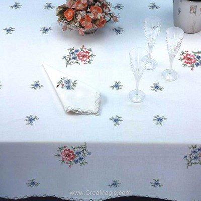 Serviette de table imprimée fraicheur printainnière en broderie traditionnelle - Bordée dentelle - Luc Création