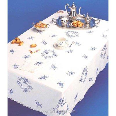 Nappe imprimée petites fleures bleues en broderie traditionnelle - Bordée dentelle de Luc Création