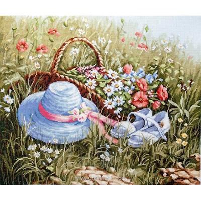 Kit à broder panier et chapeau dans la prairie aux coquelicots - Luca-S