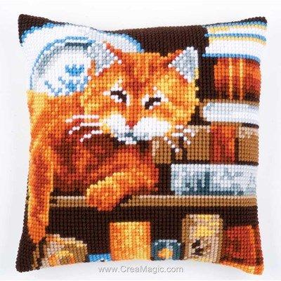 Coussin Vervaco au point de croix sommeil de chat livres