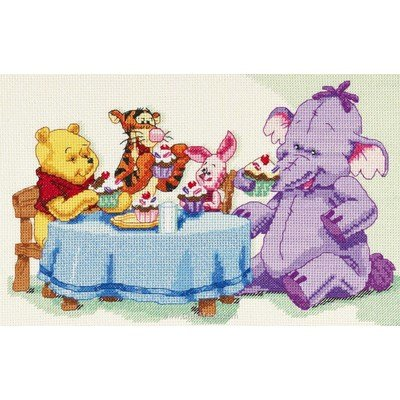 Broderie en point compté Royal Paris disney - le goûter de winnie