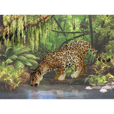 Kit à broder point de croix le léopard au ruisseau - RIOLIS
