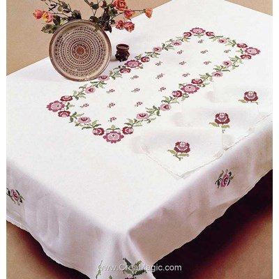 Nappe bagatelle roses en broderie au point de croix imprimé de Margot Broderie