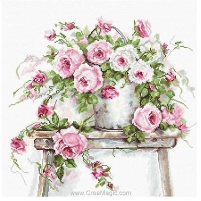 Ceuillette de douces roses broderie au point de croix point compté - Luca-S