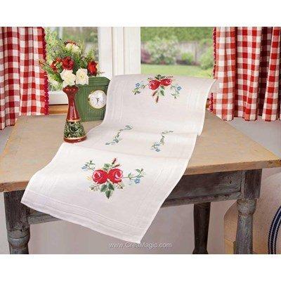 Chemin de table imprimé Duftin en broderie traditionnelle laurette roses 01334-AZ0085