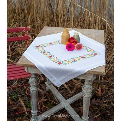 Nappe en kit Vervaco au point de croix imprimé fraîcheur florale PN-0169697