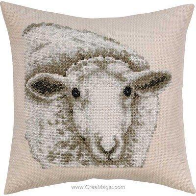 Kit coussin white sheep à broder en broderie au point de croix compté de Permin