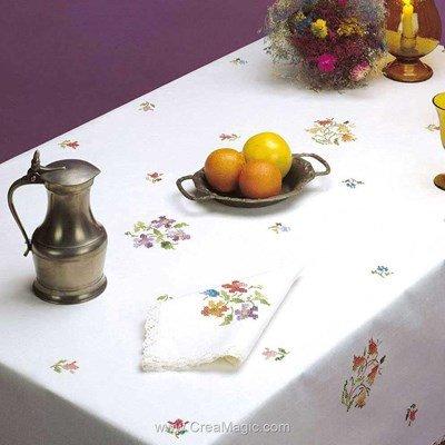 Serviette de table multicolore en broderie au point de croix imprimé - Bordée dentelle de Luc Création