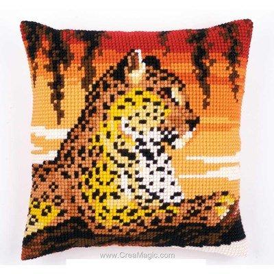 Coussin léopard du safari de Vervaco au point de croix