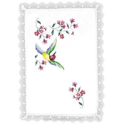 Napperon envolée de colibri à broder au point de croix imprimé - Margot Broderie