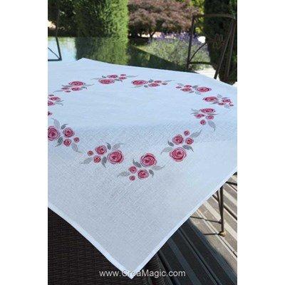 Nappe imprimée Brodélia en broderie traditionnelle roses artistiques
