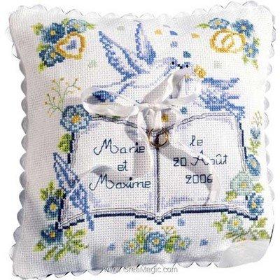 Coussin mariage le registre à broder au point de croix - Princesse