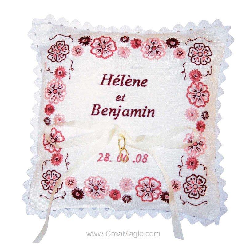 broderie traditionnelle coussin mariage fleurs roses broder princesse 1685. Black Bedroom Furniture Sets. Home Design Ideas