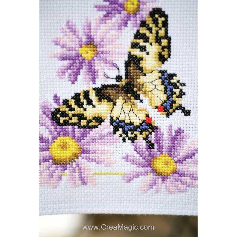 kit chemin de table vervaco broder papillons et fleurs pn 0153766. Black Bedroom Furniture Sets. Home Design Ideas