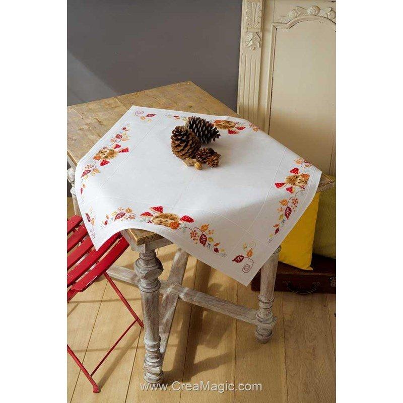 nappe en kit h risson et les champignons broder vervaco. Black Bedroom Furniture Sets. Home Design Ideas
