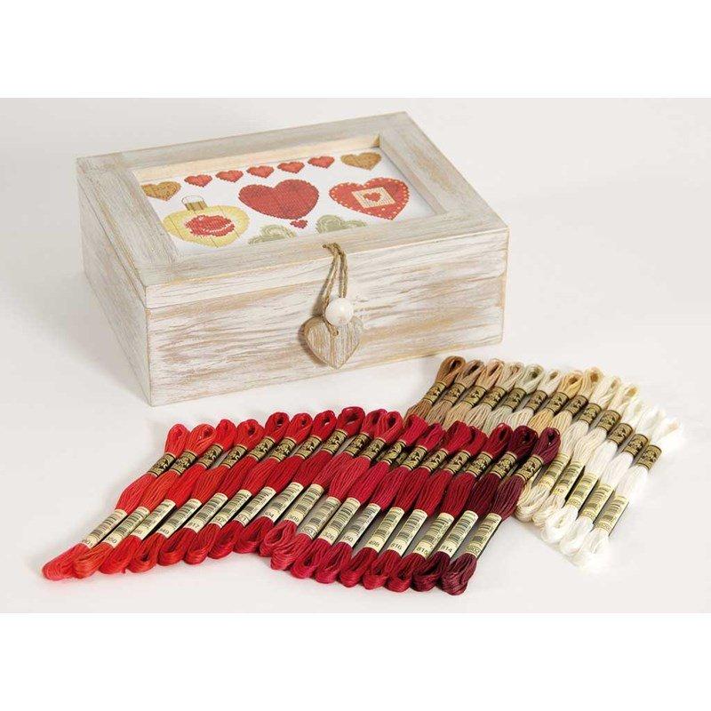 Coffret en bois blanc avec 30 chevettes u1658l dmc for Boite de couture enfant